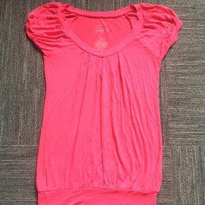 Tops - Cute hot pink shirt!